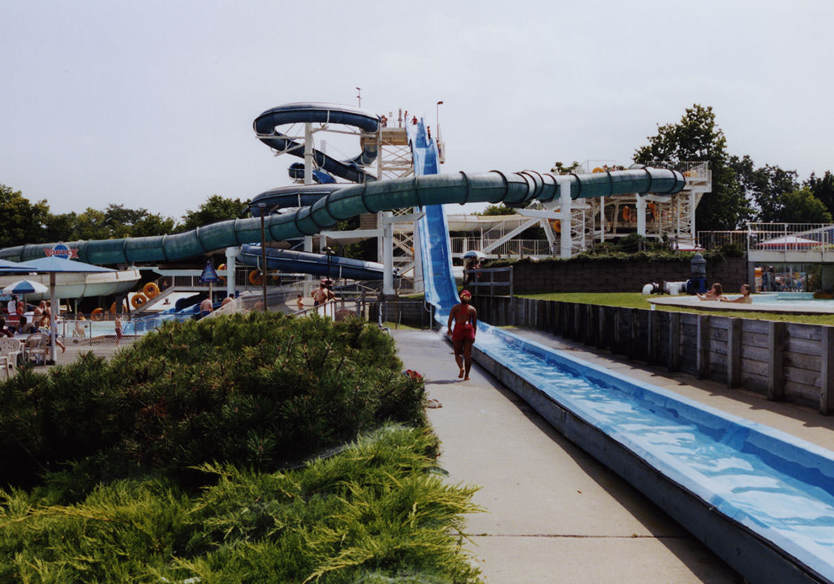 Photo of Seabreeze Waterpark in 1980.